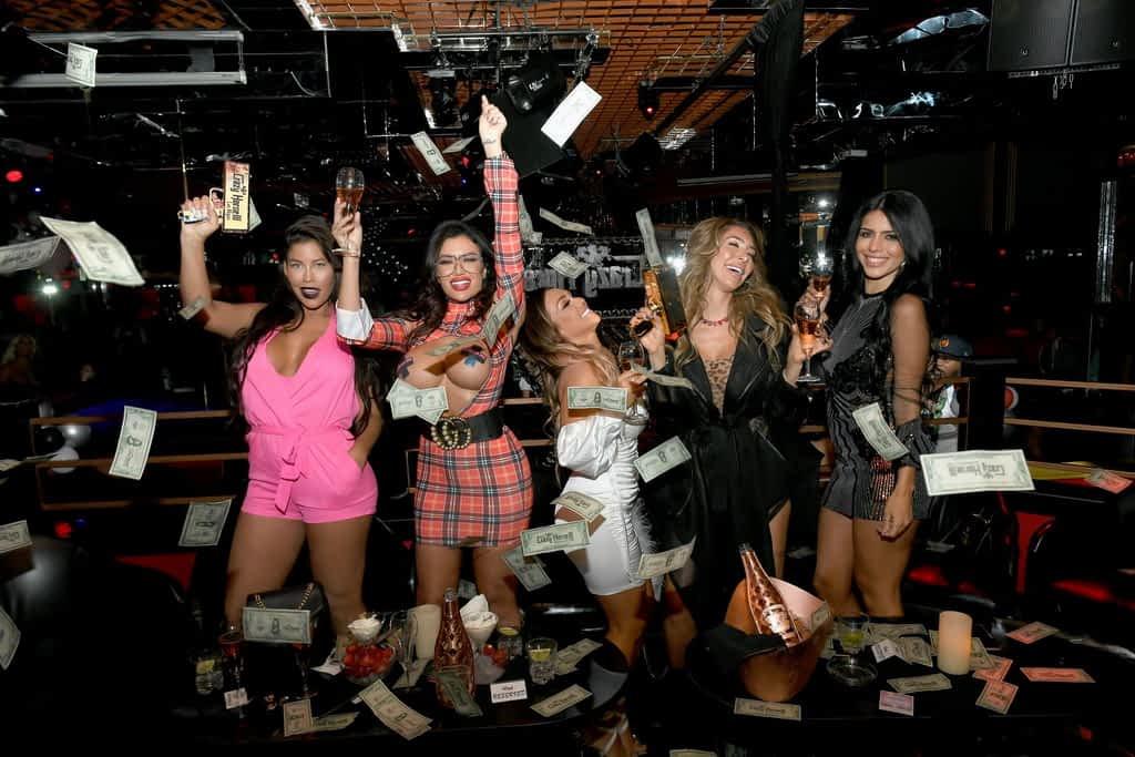 Bridgette B, Toochi Kash, Jen Harley, Farrah Abraham, and Larissa Lima Throwing Diamond Dollars